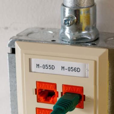 Информационные бирки Brady BM71-40-412 полипропилен 49.23 х 9.53 мм, белые матовые (5000 шт) [brd114868]